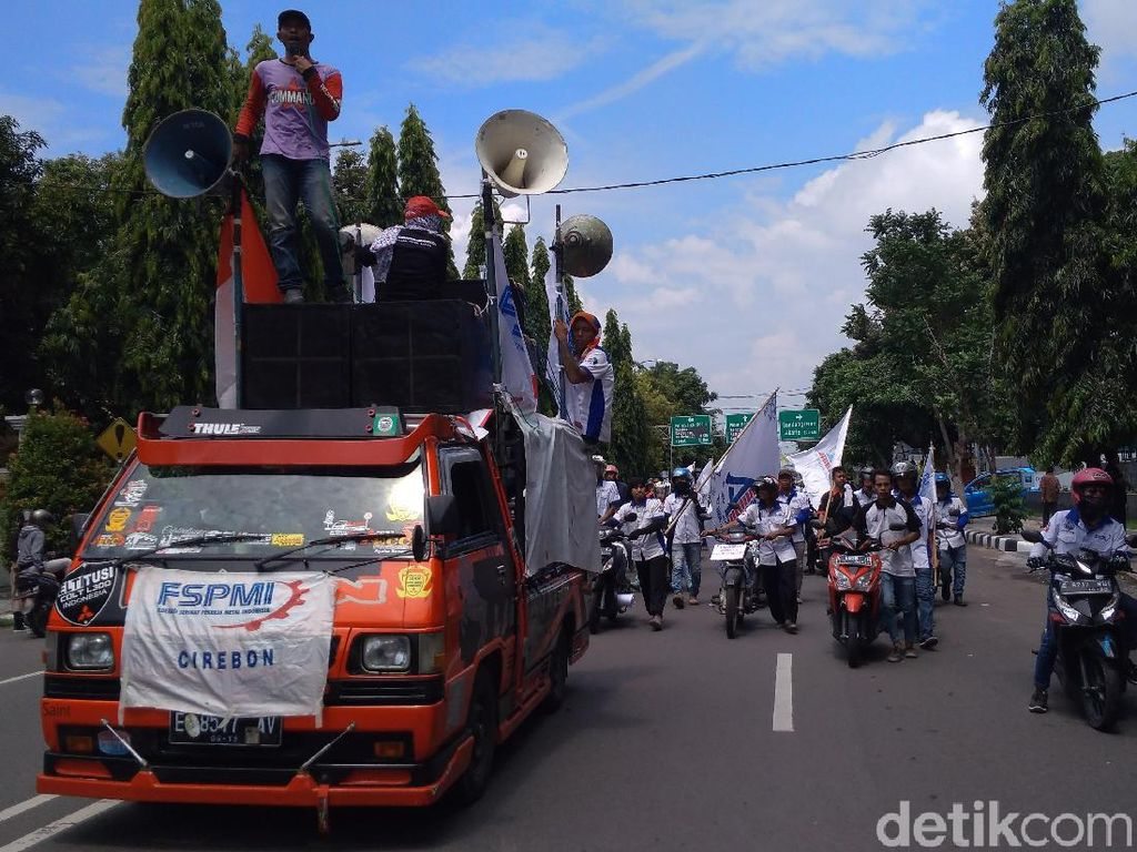 Rayakan May Day, Buruh Cirebon Tuntut Pemilu Jurdil