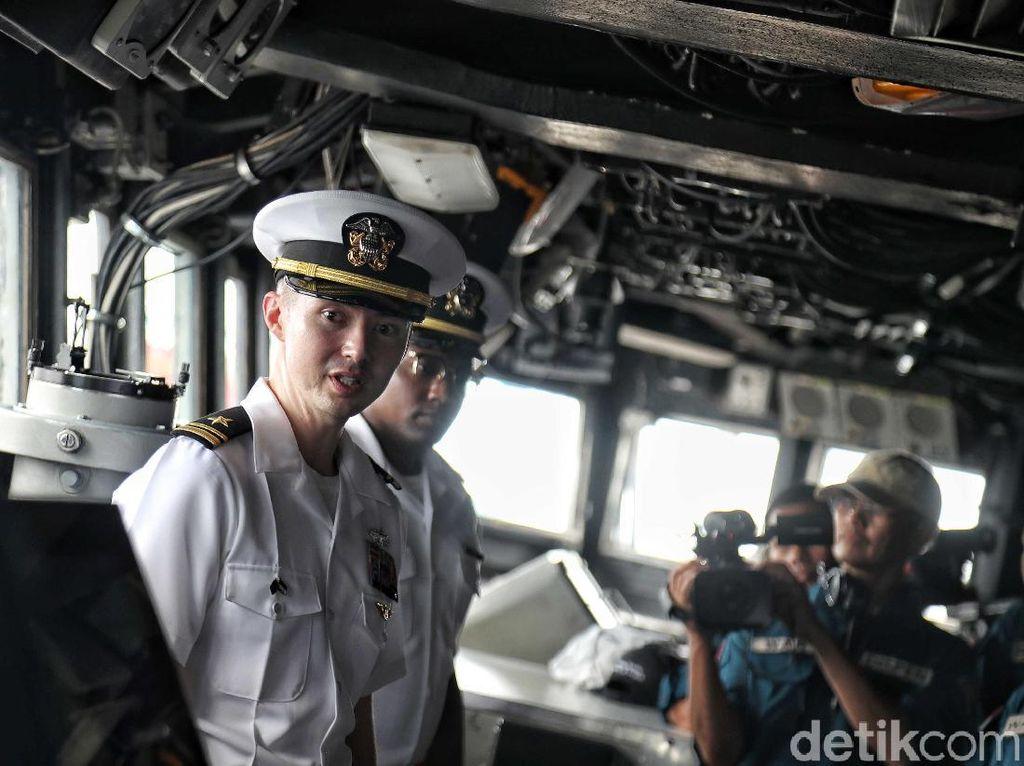 Video: Menapak Kaki di Kapal Komando Amerika Serikat