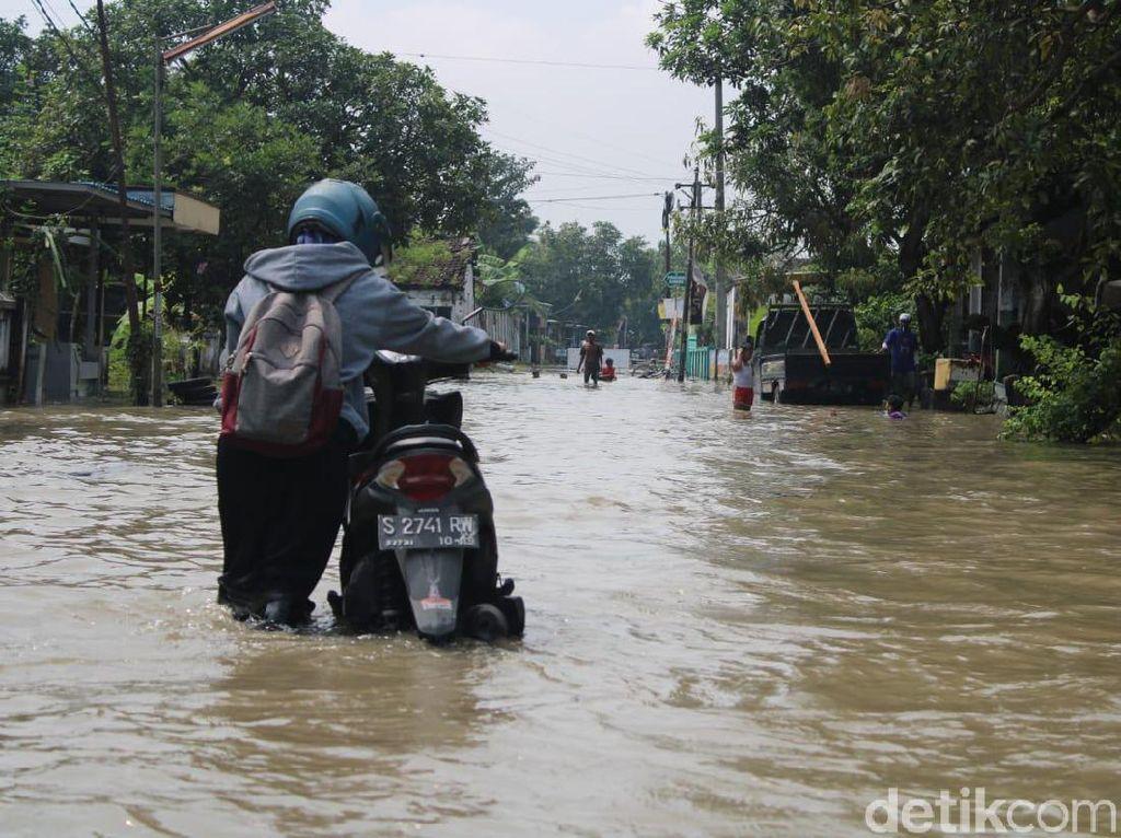 Sungai Brantas Meluap, 13 Desa di Jombang Terendam Hingga 50 cm