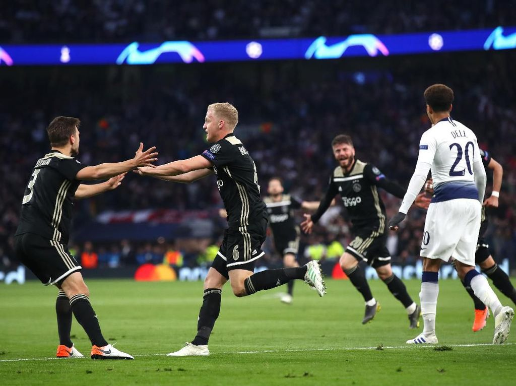 Incar Kemenangan! Tak Ada Kata Main Aman untuk Ajax