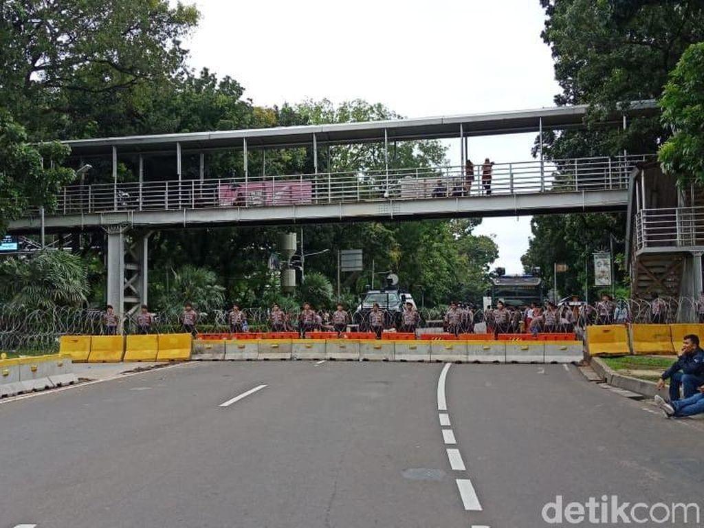 Jalan Menuju Istana Ditutup, Polisi Pastikan Massa Buruh Tak Mendekat