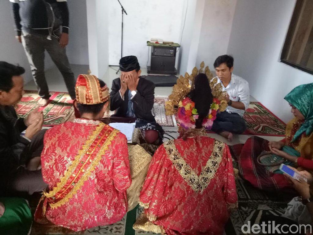 Sah! Tahanan di Makassar Nikahi Kekasihnya di Kantor Polisi
