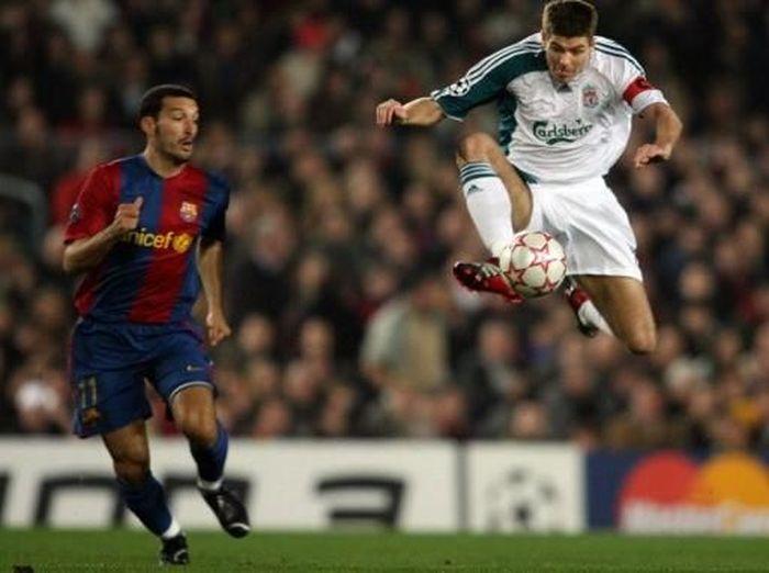 Dalam pertandingan di Camp Nou pada 21 Februari 2007, Liverpool menang 2-1 atas Barcelona. Saat itu, Steven Gerrard kaptennya. (Foto: Lluis Gene/AFP)