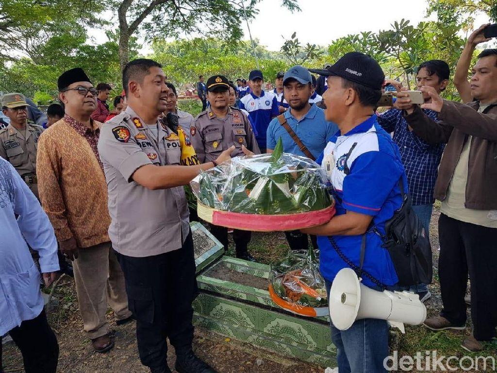 313 Personel Gabungan Amankan Ziarah Buruh di Makam Marsinah