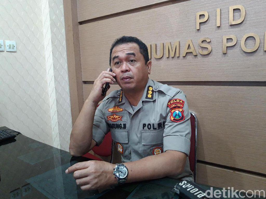 Polda Jatim Sita 12 Molotov dan 6 Clurit dari Massa yang akan ke Jakarta