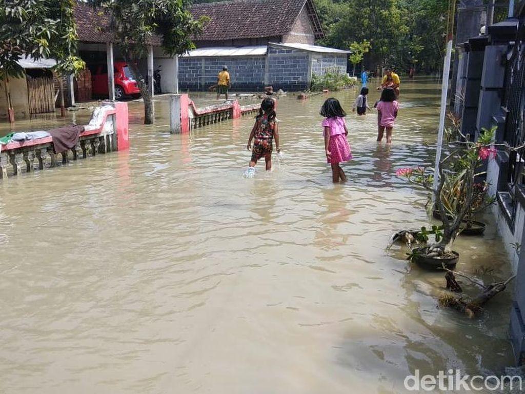Kerap Banjir, Pemkab Mojokerto Desak Kementerian PUPR Normalisasi Sungai Lamong