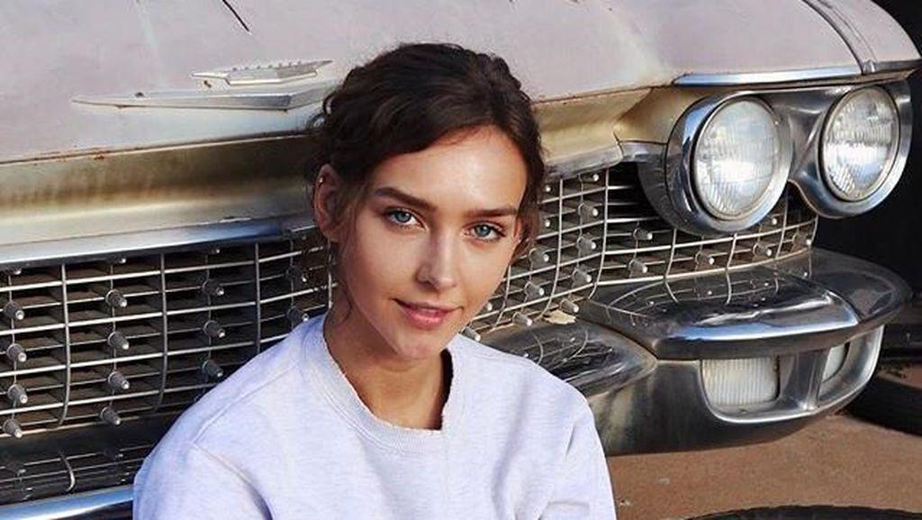 Pesona Model Playboy Raup Rp 7 Miliar dari Foto Seksi di Instagram