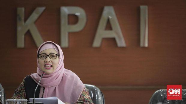 Komisioner Bidang Pendidikan KPAI Retno Listyarti memeberikan keterangan terkait kasus pelanggaran anak di bidang pendidikan. Jakarta, Kamis, 02 Mei 2019.