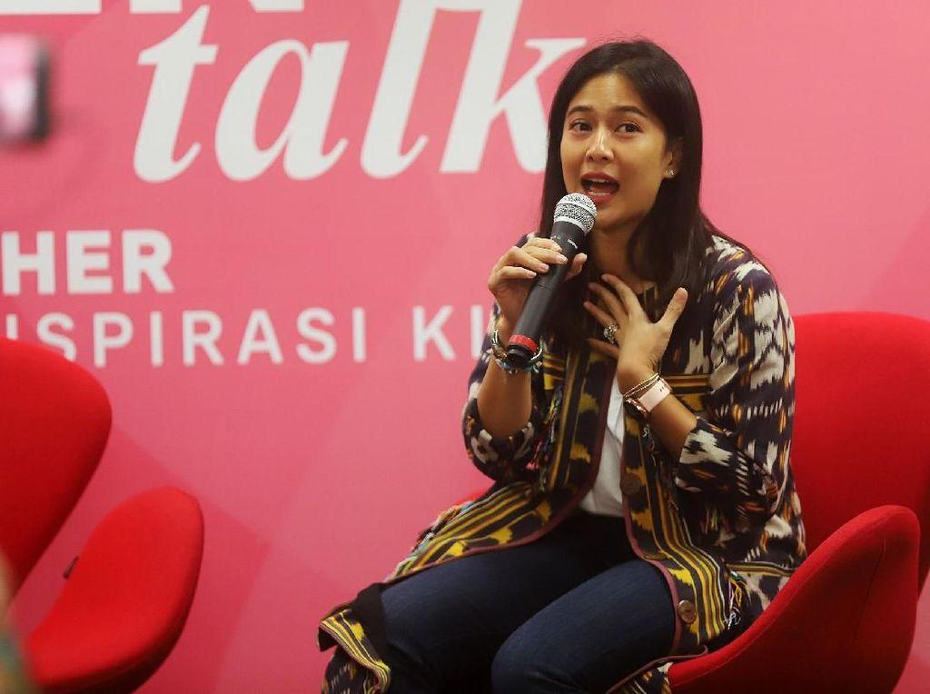 Dian Sastro Hadiri AIA With Her untuk Peringati Hari Kartini