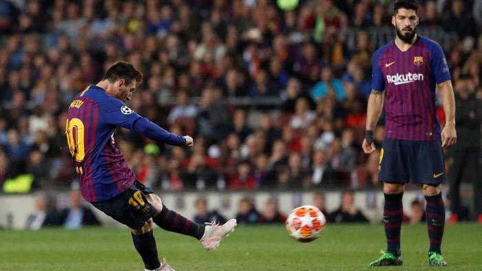 Gol tendangan bebas Lionel Messi jadi yang terbaik di Eropa musim lalu (REUTERS/Susana Vera)