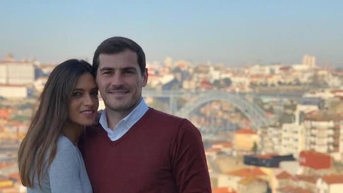 Iker Casillas dan Sarah Carbonero