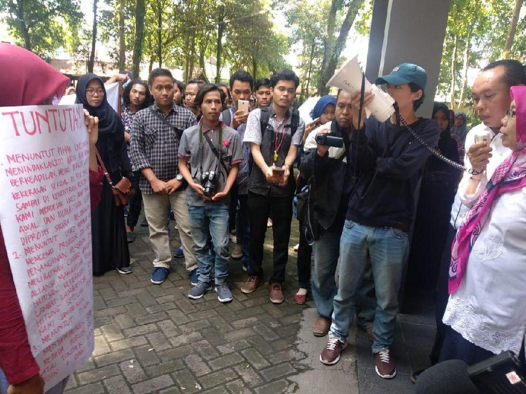 Ini 3 Tuntutan Mahasiswa Universitas Jember di Kasus Dosen Cabul