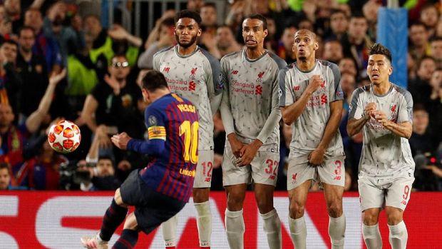 Gol tendangan bebas ke gawang Liverpool membuat Messi cetak gol ke-600.