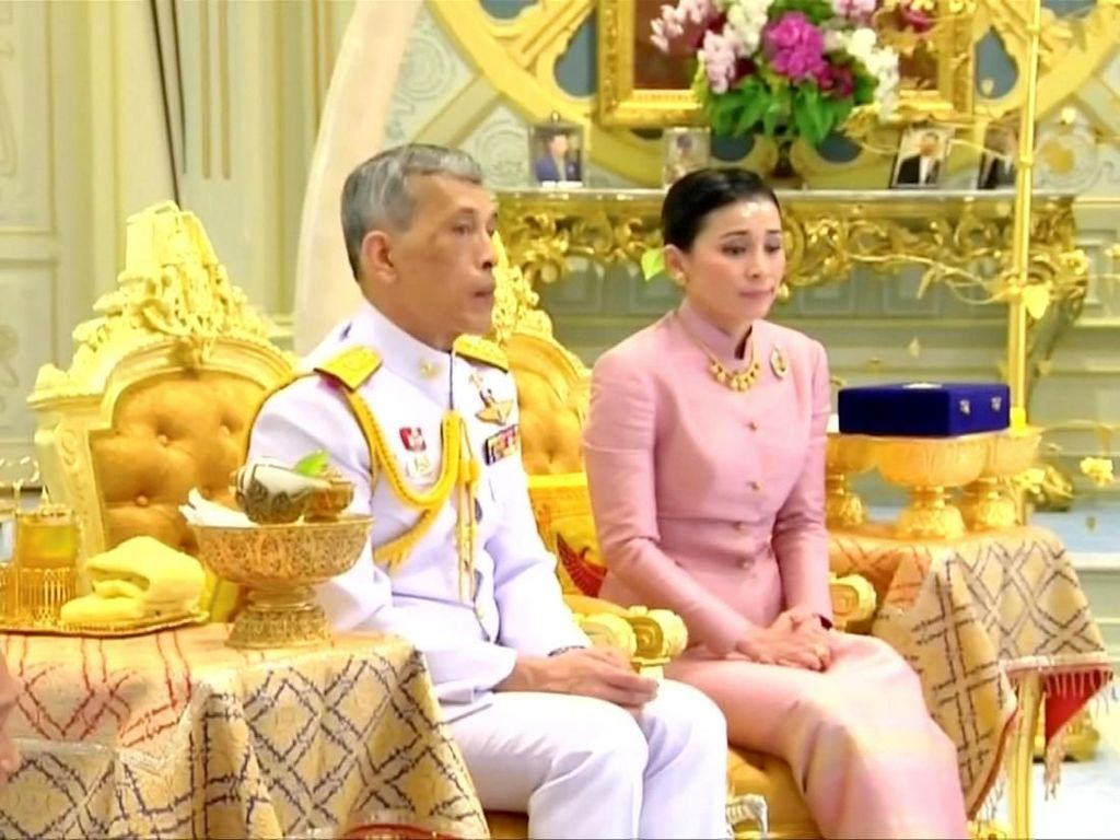Jelang Penobatan, Raja Thailand Menikah Lagi Untuk Keempat Kali