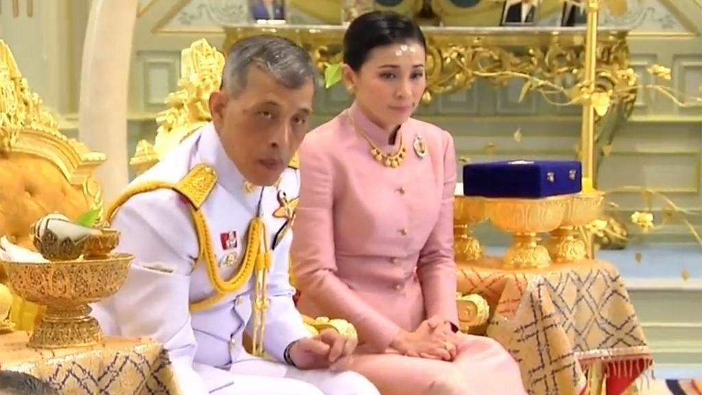 Foto: Sosok Suthida, Pengawal Kerajaan yang Dinikahi Raja Thailand