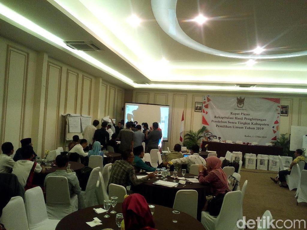 Hasil Rekapitulasi KPU Kudus, Jokowi Menang Banyak dari Prabowo
