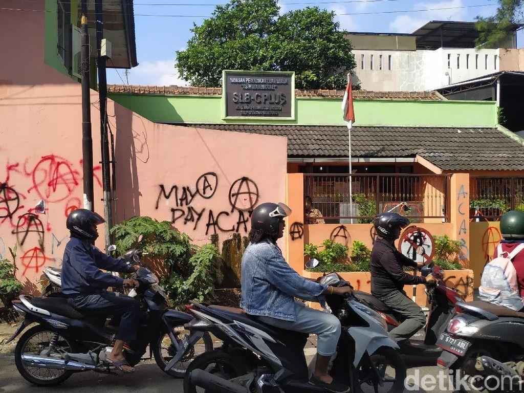 Aksi Vandalisme Anarcho-Syndicalism Bikin Siswa SLB Takut Sekolah