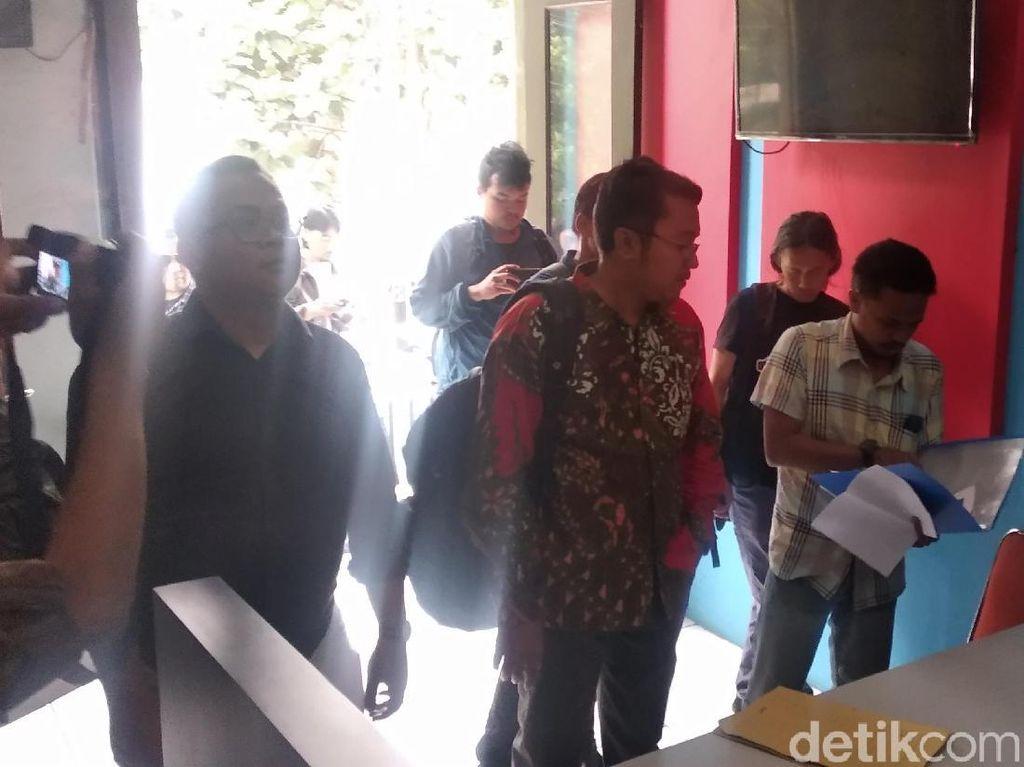 2 Fotografer Bandung Lapor Soal Dipukul Polisi Saat Ricuh May Day
