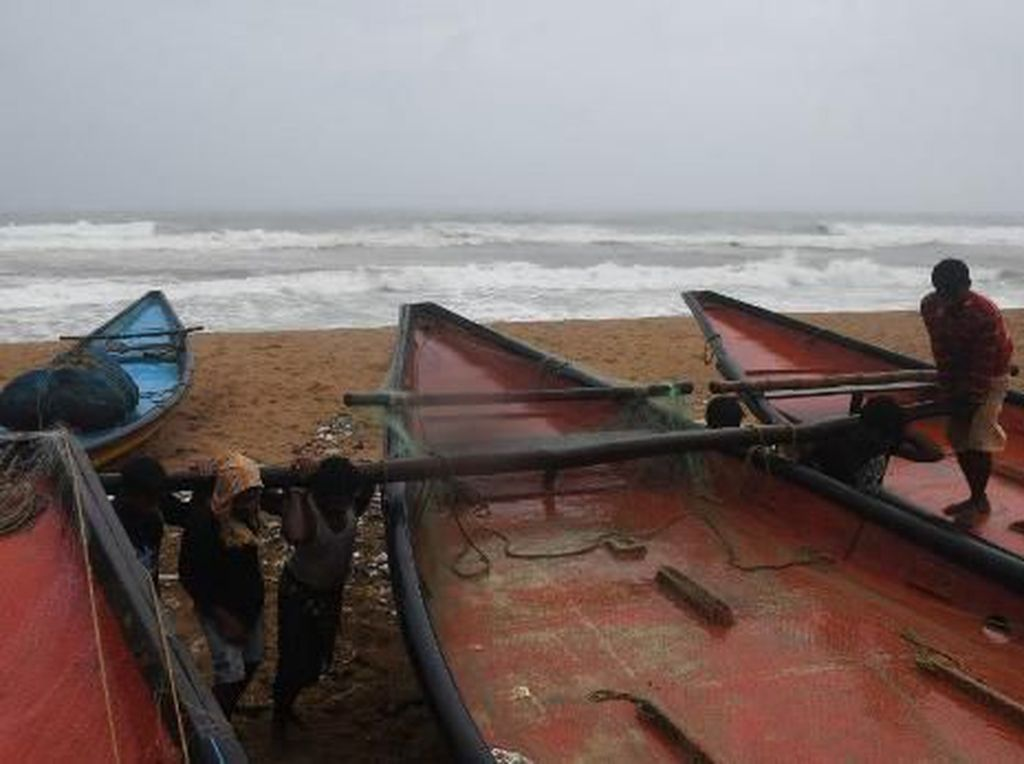 Siklon Fani Mendekat, India Evakuasi 800 Ribu Orang