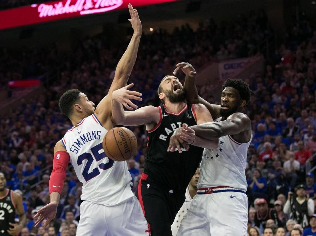 Hasil NBA: Menangi Gim Ketiga, Sixers Ungguli Raptors 2-1
