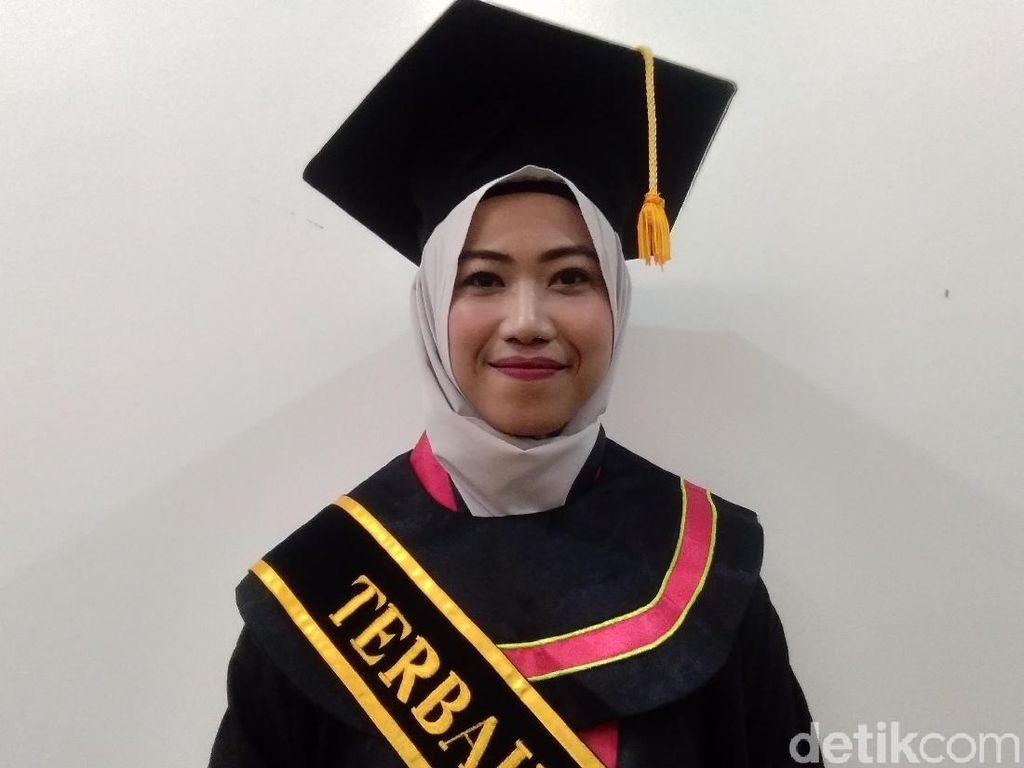 Perkenalkan, Ini Dia Dina Lulusan Magister UIN Yogya dengan IPK Sempurna