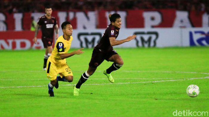 PSM Makassar vs Bhayangkara FC (Reinhard Soplantika/detikSport)