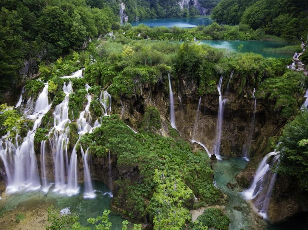 Foto: Danau Plitvice yang Kembar 16 Bagai Alam Surgawi