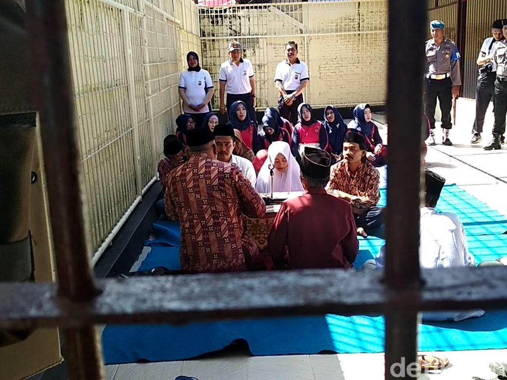 Momen Tersangka Narkoba Menikah, Polisi dan Tahanan Kompak Teriak Sah