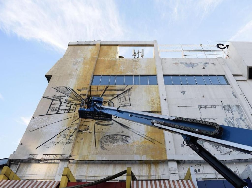Bernuansa Arsitektur, Mural Seniman Prancis Katre Eksis di Gedung Jakarta