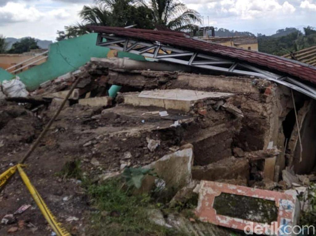 Pergerakan Tanah di Nyalindung Sukabumi Meluas, 126 Rumah Rusak