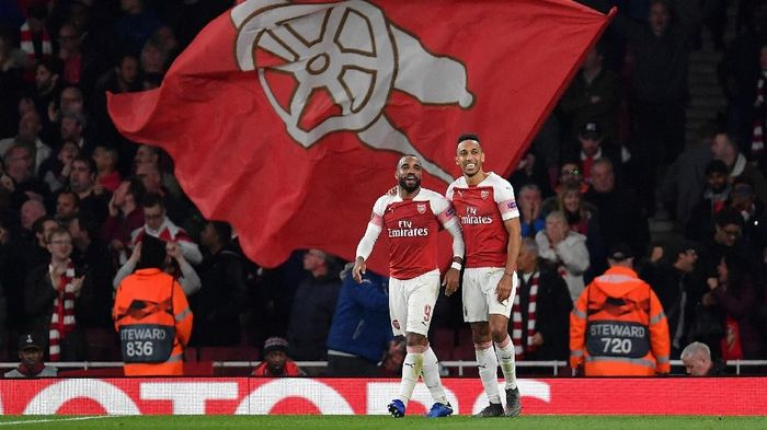 Dua pemain Arsenal, Alexandre Lacazette dan Pierre-Emerick Aubameyang. (Foto: Justin Setterfield/Getty Images)