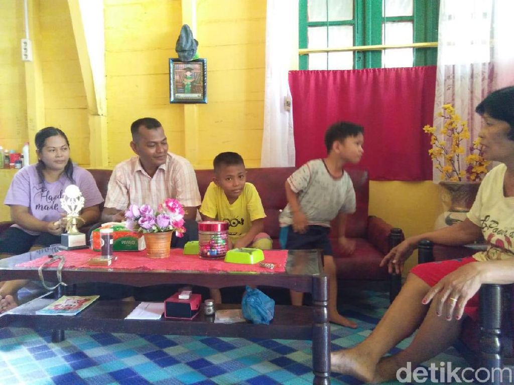 Mandapot Pasaribu, Sopir Angkot Menuju Kursi DPRD Sibolga