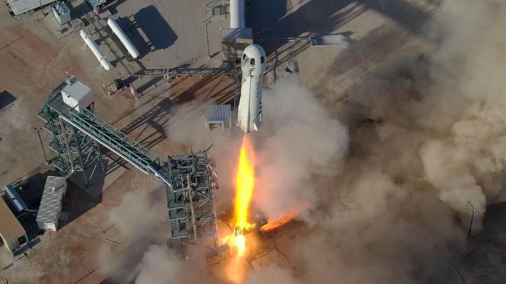 Wujud New Shepard, Roket yang Akan Bawa Orang Terkaya ke Antariksa