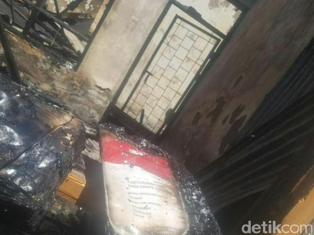 Akta Tanah Tak Kunjung Kelar, Kantor Desa Ludes Dibakar