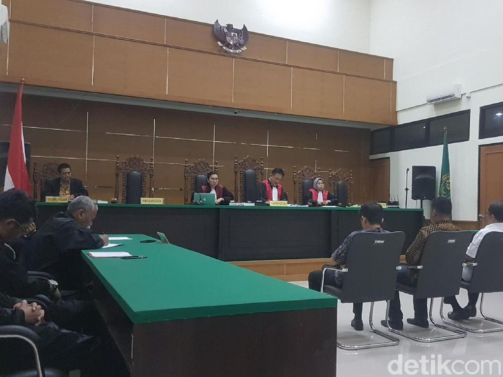 Korupsi Genset RSUD, Eks Kadinkes Banten Divonis 1 Tahun 4 Bulan Bui