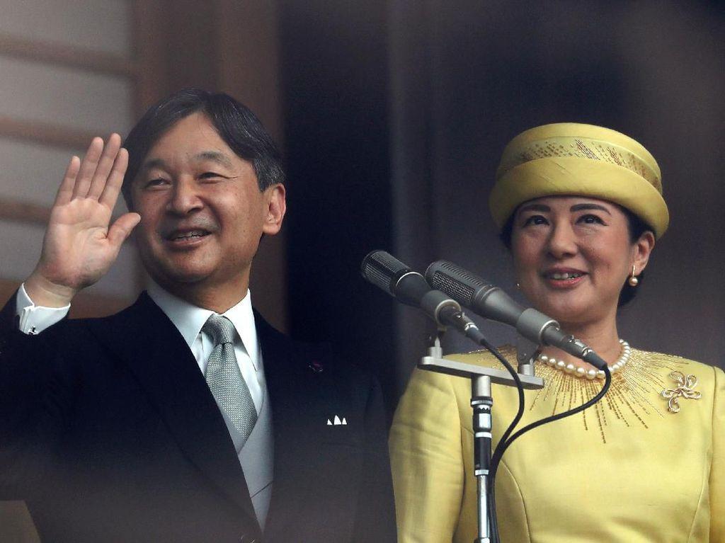 Penampilan Perdana Kaisar Naruhito Usai Naik Takhta