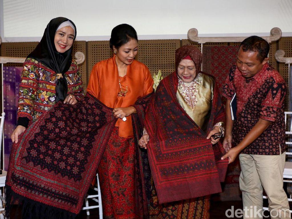 Batik Ternyata Populer di Bangladesh Lho!