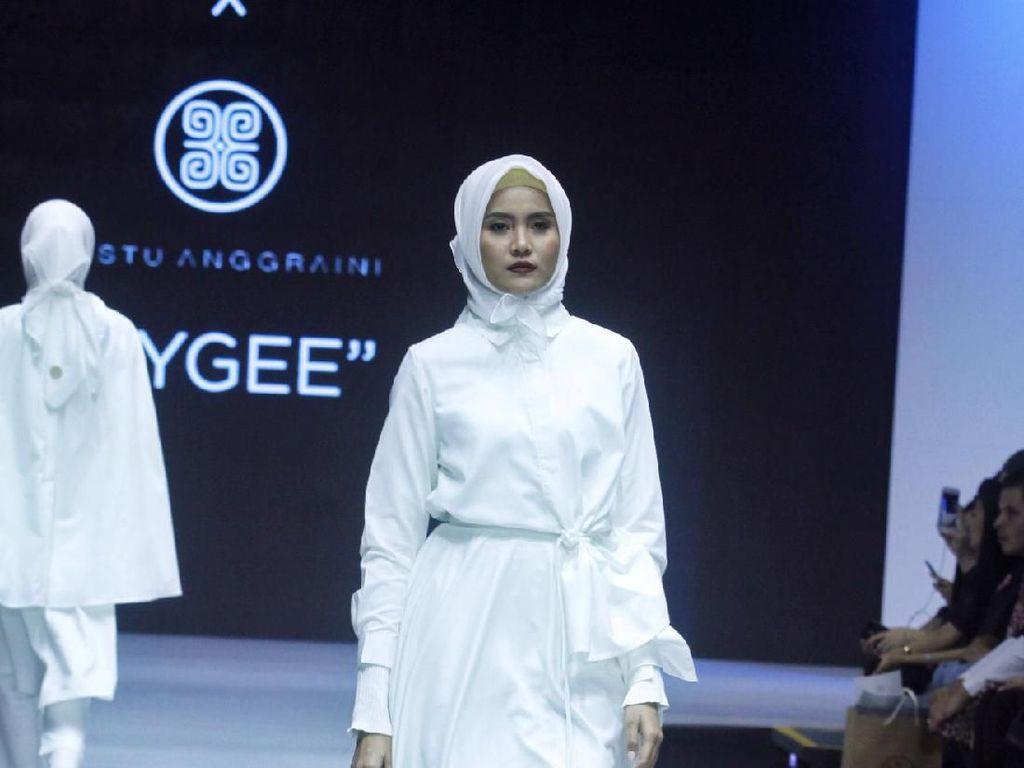 Koleksi Baju Edgy ETU Hingga Gaun Pengantin Ayu Dyah Andari di Muffest 2019