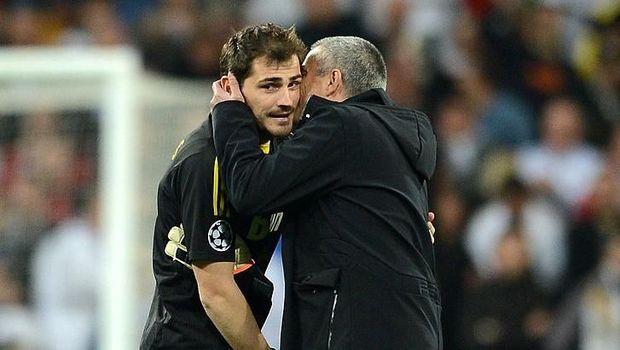 Kendati tak akur saat bersama di Real Madrid, Jose Mourinho bersimpati atas sakitnya Iker Casillas. Dia menghubungi manajemen Porto saat tahu kondisi si pemain.