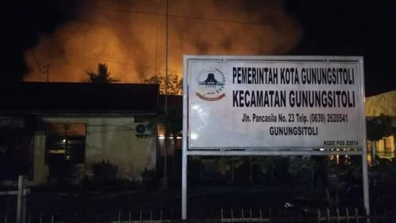 Gudang Penyimpanan Kotak Suara di Gunungsitoli Ludes Terbakar