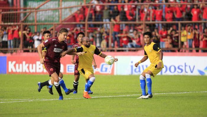 PSM Makassar menyingkirkan Bhayangkara FC di perempatfinal Piala Indonesia (Foto: Reinhard Soplantila)