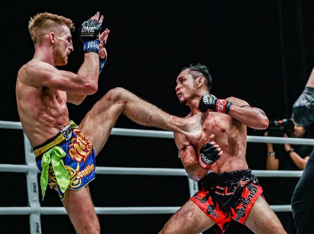 Jonatan Haggerty Menangi Gelar di ONE Championship Jakarta