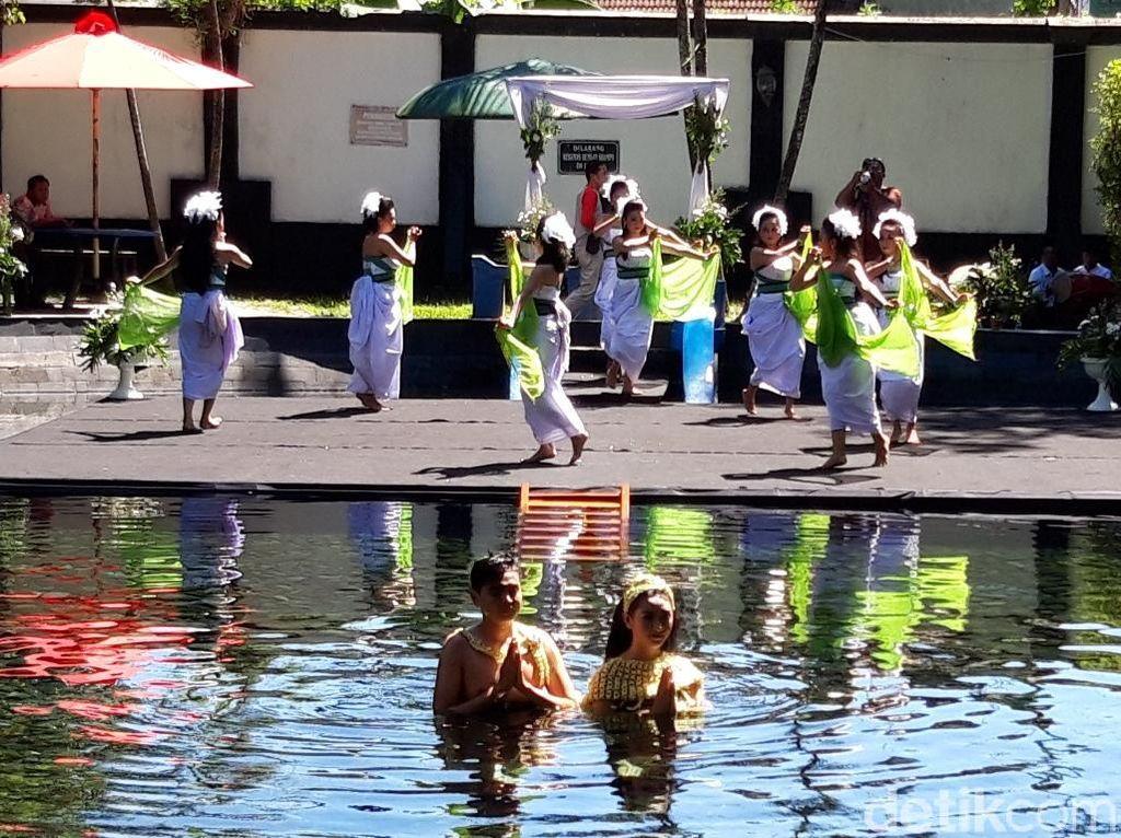 Sambut Ramadhan, Boyolali Gelar Tradisi Mandi di Kolam Raja