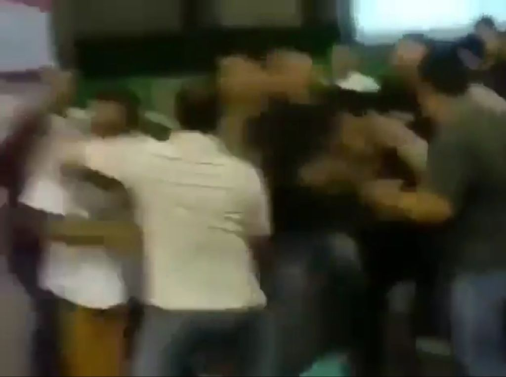 Viral Video Kericuhan Rekapitulasi Suara di Sampang Madura