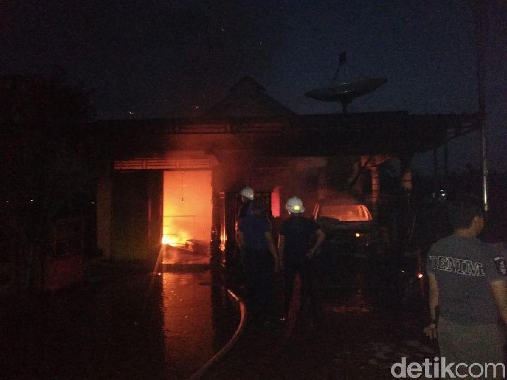 Kebakaran Ludeskan Sebuah Rumah di Ponorogo, 5 Penghuni Rumah Terbakar