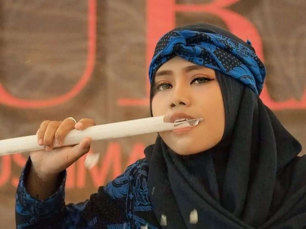 Gigit Lampu hingga Pecah, Hijabers Ini Gegerkan Audisi Sunsilk Hijab Hunt