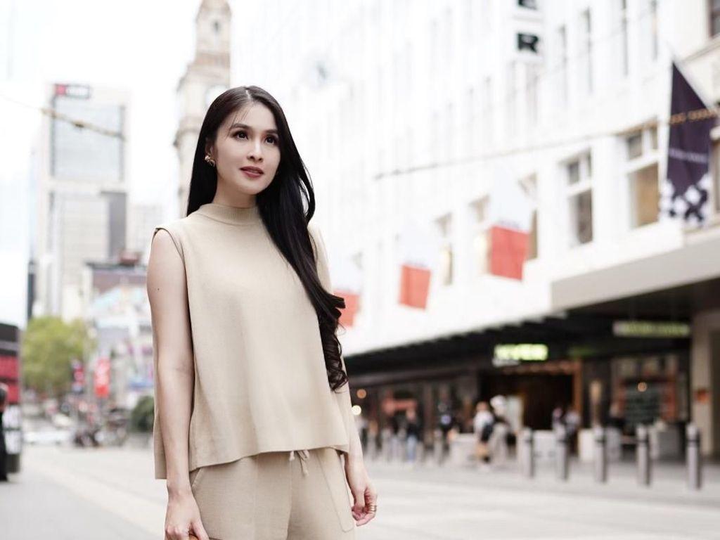 Penampilan Memesona Sandra Dewi Hamil 6 Bulan yang Bikin Ibu-ibu Takjub