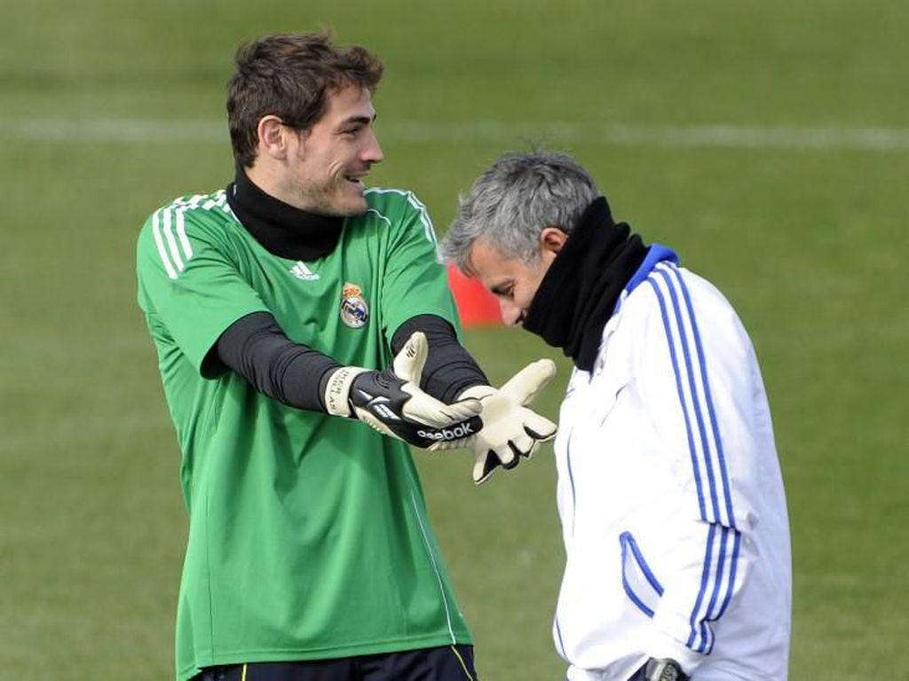 Mourinho Orang Pertama yang Cari Casillas saat Nyaris Mati