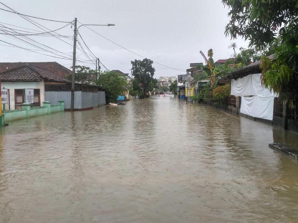 Diguyur Hujan 3 Jam, Rawa Bangun Pangkalpinang Terendam Banjir