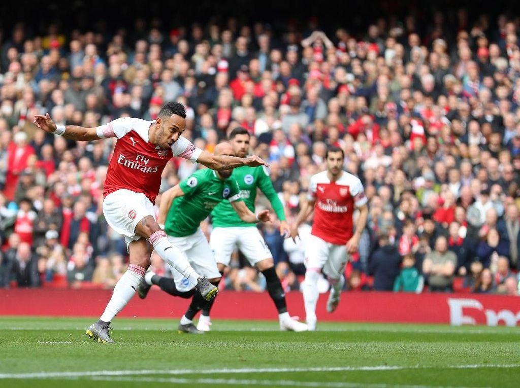 Penalti Aubameyang Bawa Arsenal Ungguli Brighton di Babak I